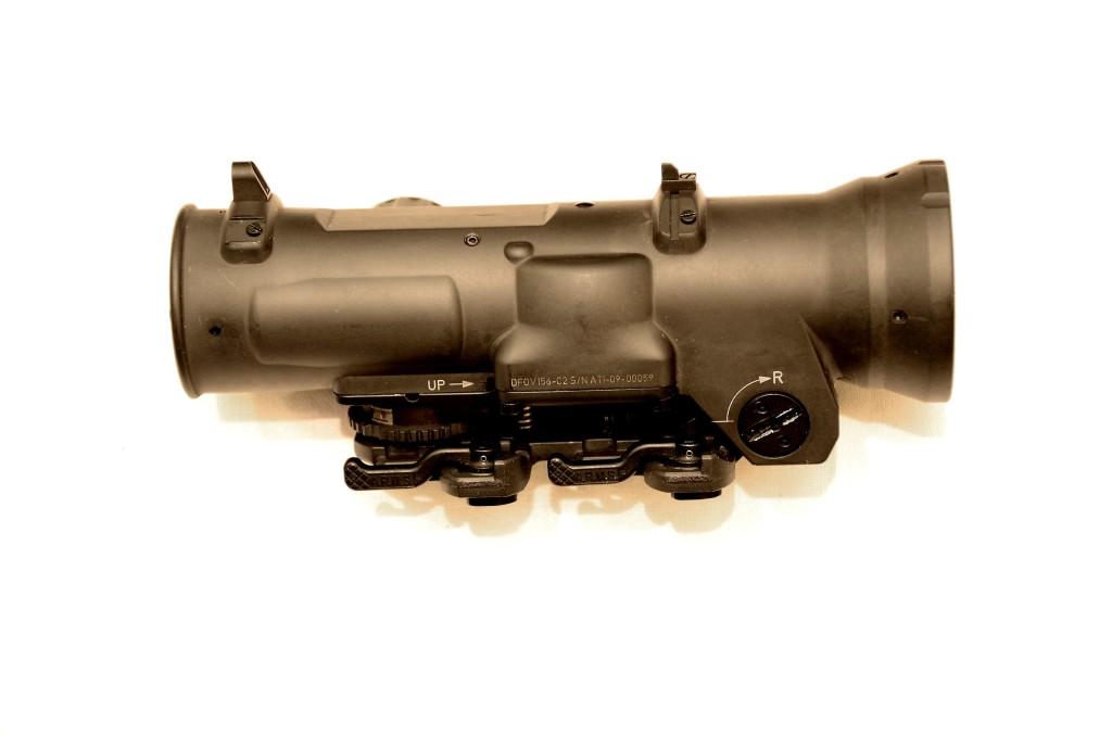 Elcan, vista laterale sinistra del modello 1.5 - 6 ×