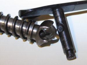 HP35 Particolare del guidamolla con la sfera per bloccare la leva dell hold-open