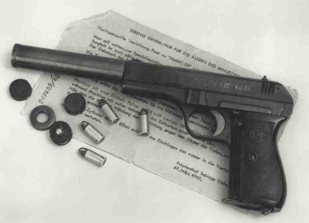 CZ-27 con silenziatore