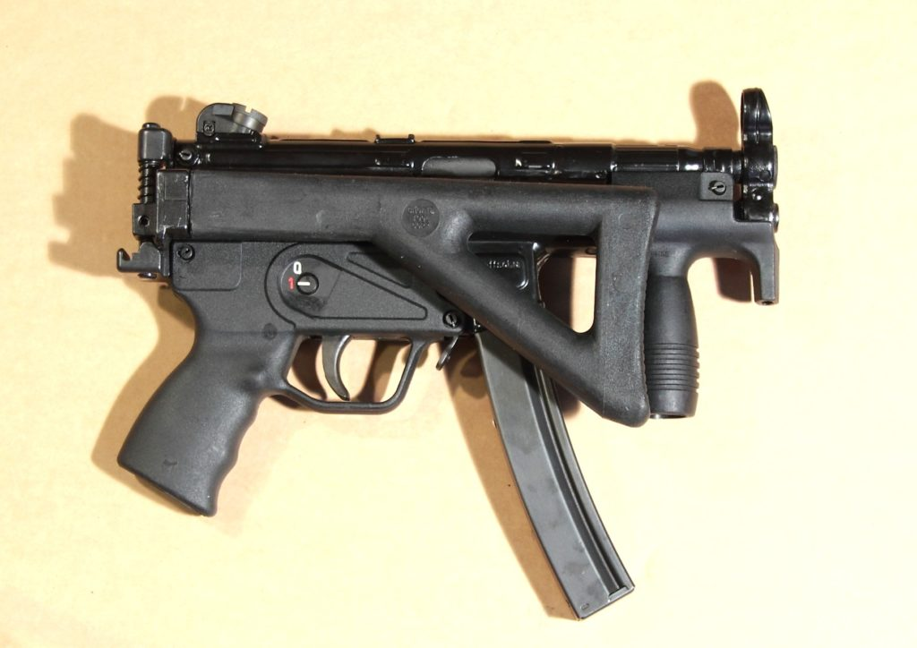 MKE T94K - Calciolo del Kurtz ripiegato sul lato