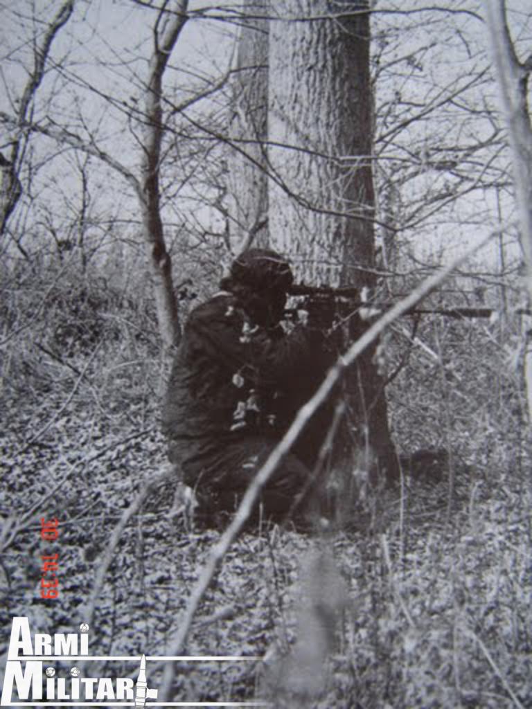 Cecchino croato in posizione tiro